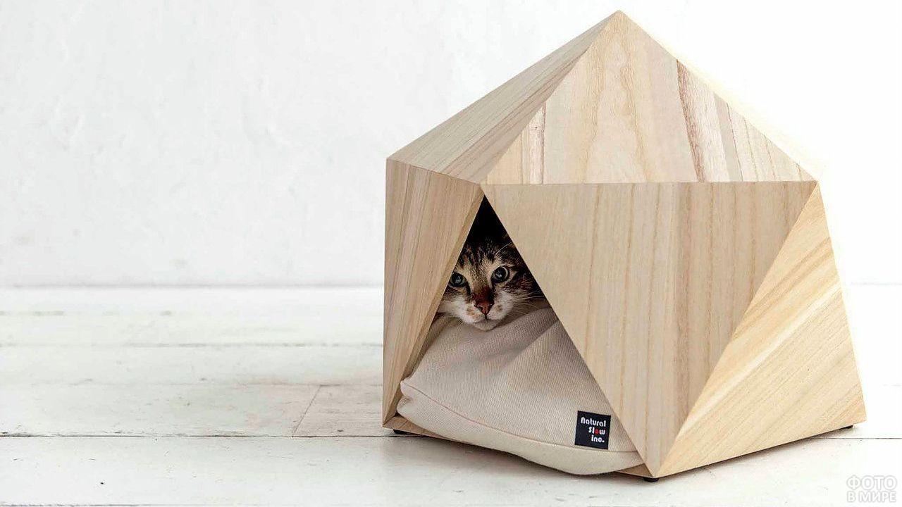 Светлый домик японского производства