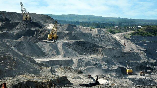 Панорама Кузбасского угольного разреза