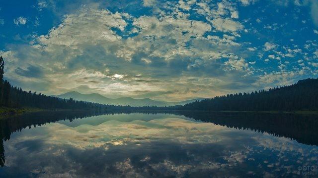 Большое Безрыбное озеро в Ергаках