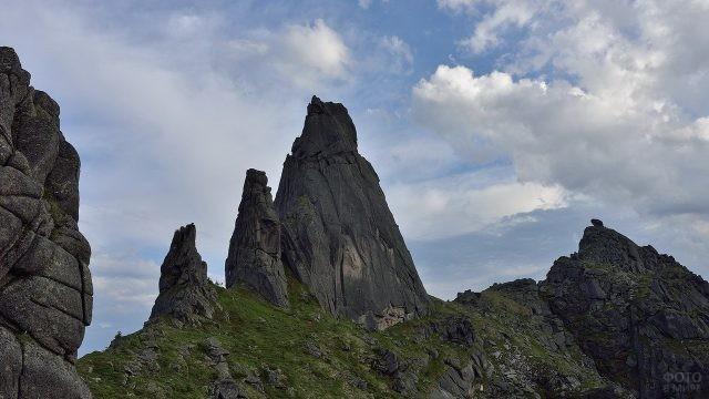 Горы на фоне неба