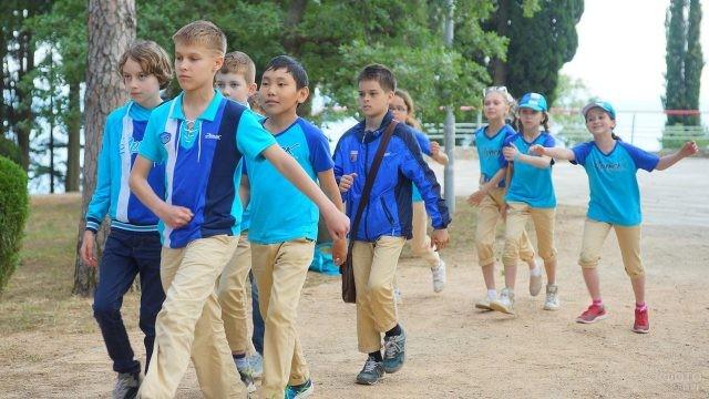 Ученики младших классов готовятся к 9 мая