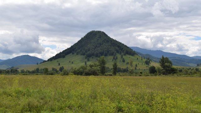 Гора Пирамида на Алтае