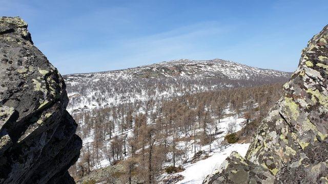Вид на сибирскую природу с хребта Шатак