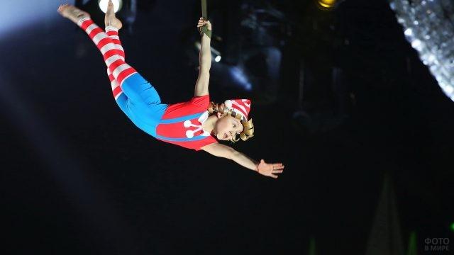 Даша Заяц в костюме Буратино