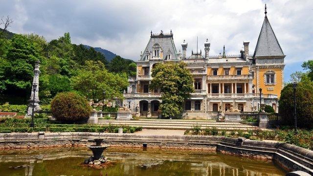 Массандровский дворец на юге Крыма