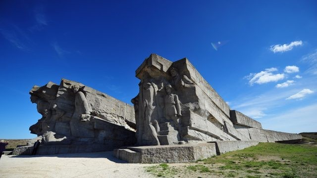 Памятные камнеломни в Керчи
