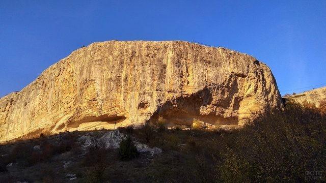 Скала Бельбекского каньона в Крыму