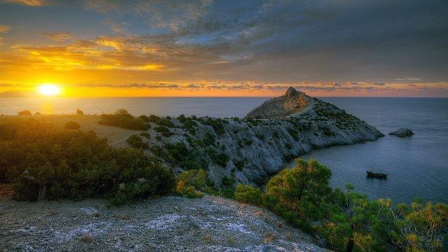 Закат на побережье Чёрного моря