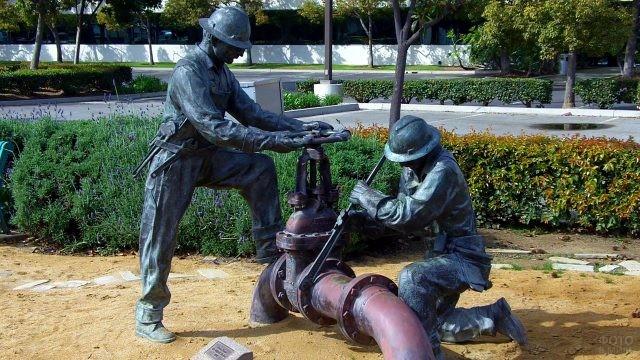 Памятник нефтяникам в Санте-Фе