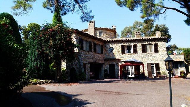 Аутентичный французский южный дом - бастида
