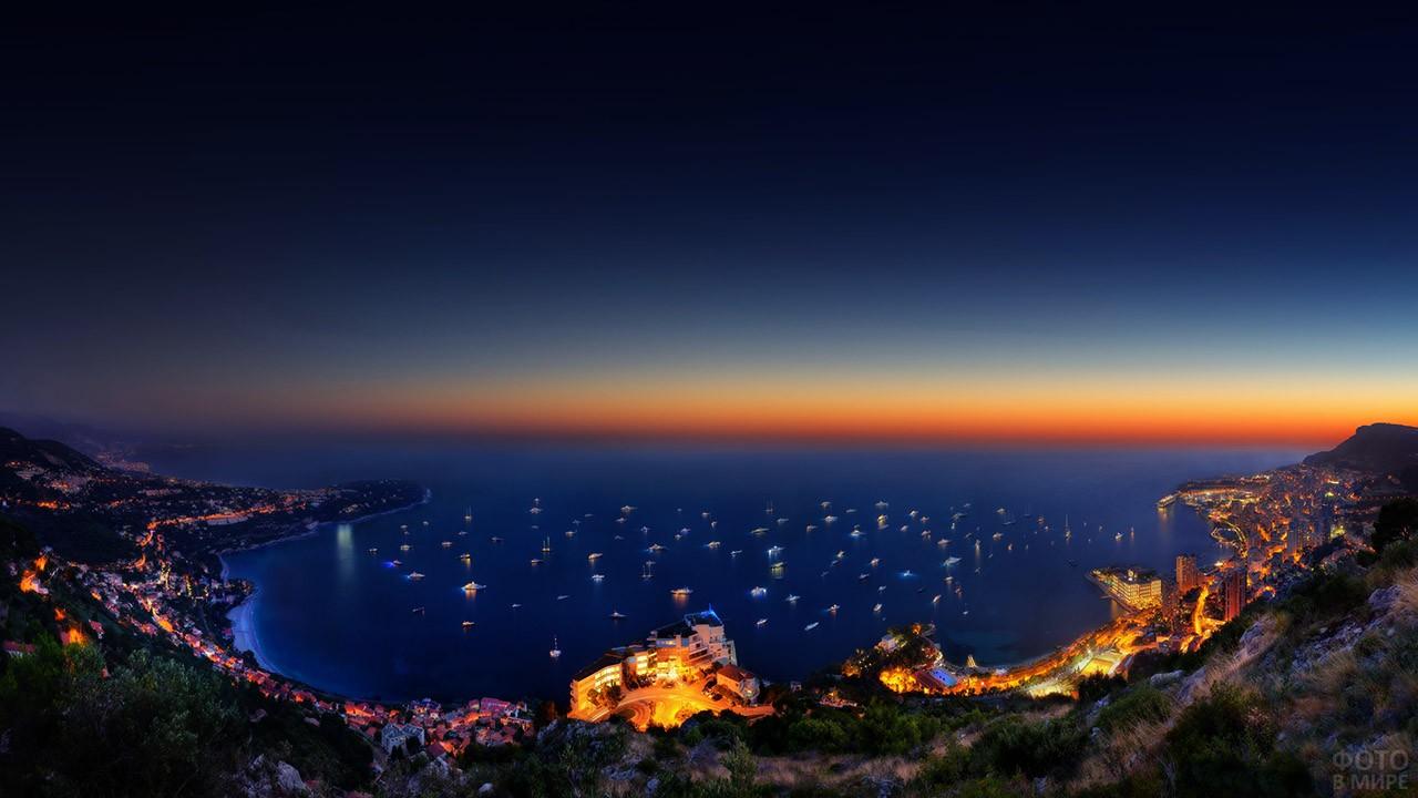 Огни на яхтах в бухте Монако