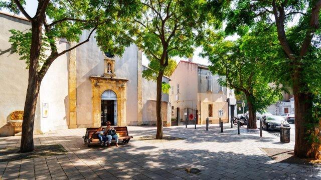 Тенистый сквер в Марселе