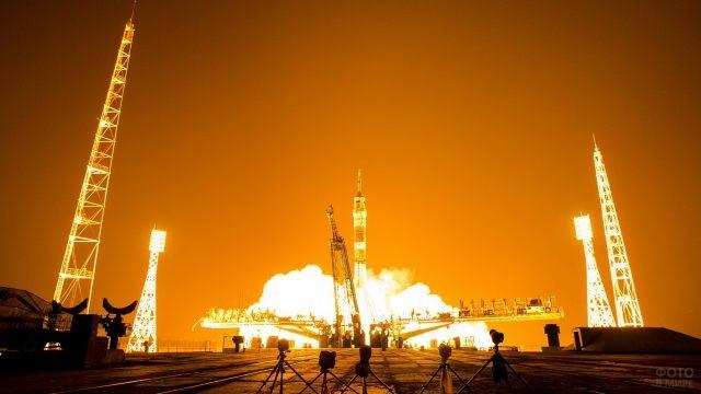 Старт ракеты Союз
