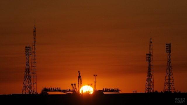 Стартовая площадка Байконур на закате