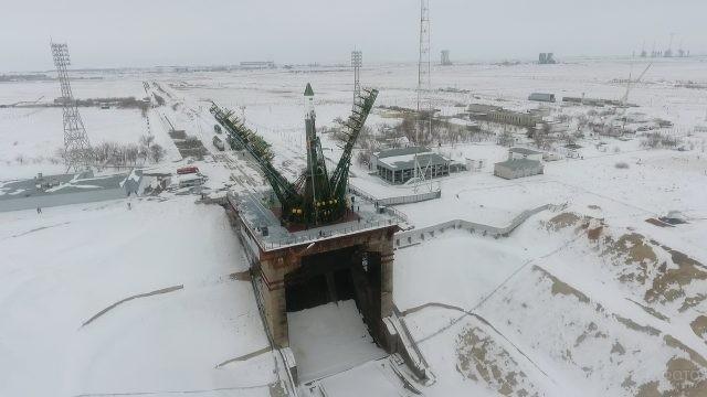 Стартовая площадка Байконура зимой