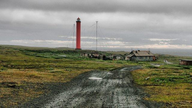 Вид на Вайдагубский маяк с дороги