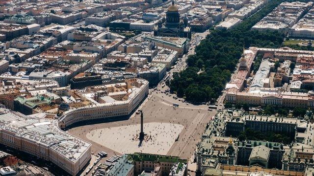 Дворцовая площадь на панораме Санкт-Петербурга