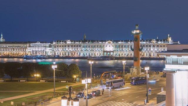 Ночная иллюминация Дворцовой набережной и Стрелки Васильевского острова