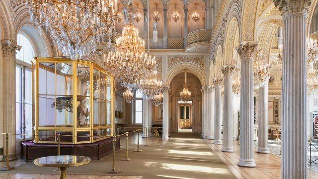 Павильонный зал Невской анфилады