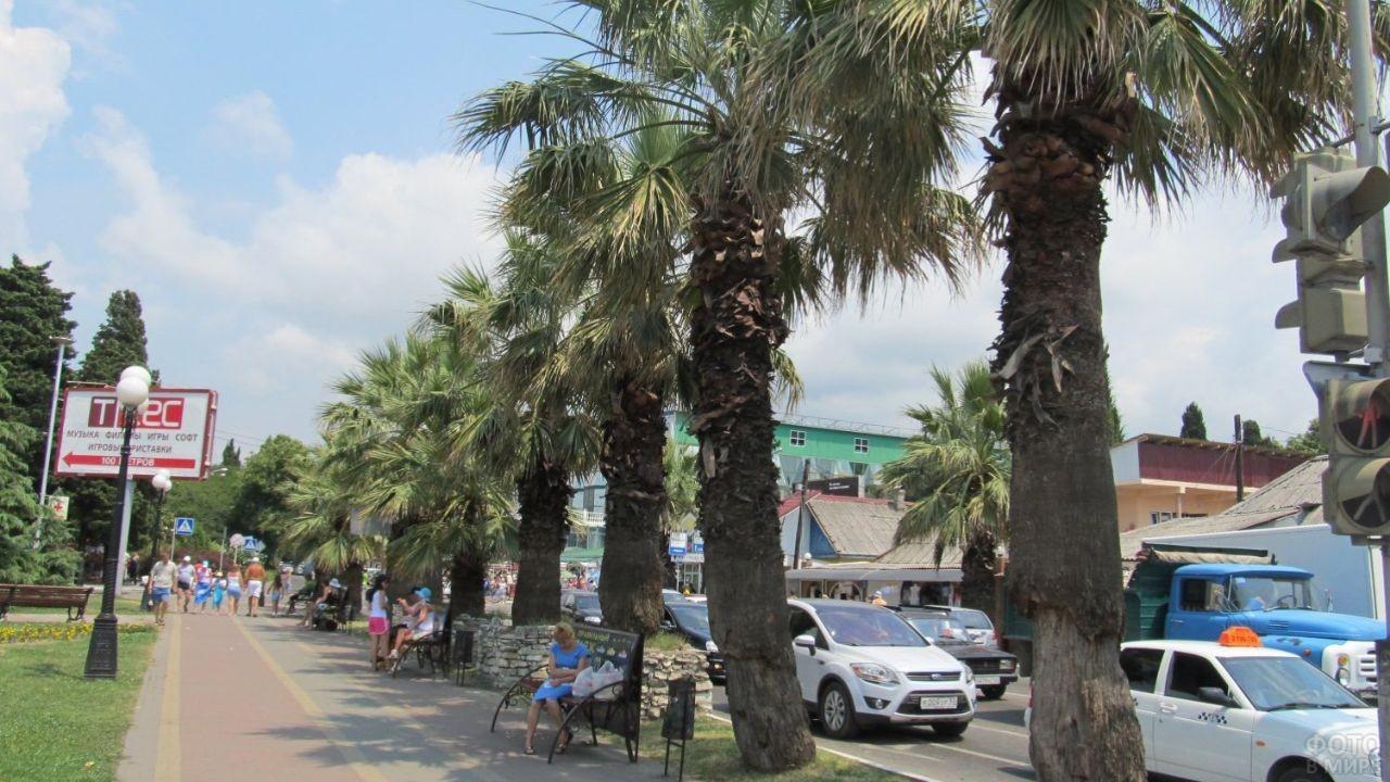 Небольшие чистые улицы курорта