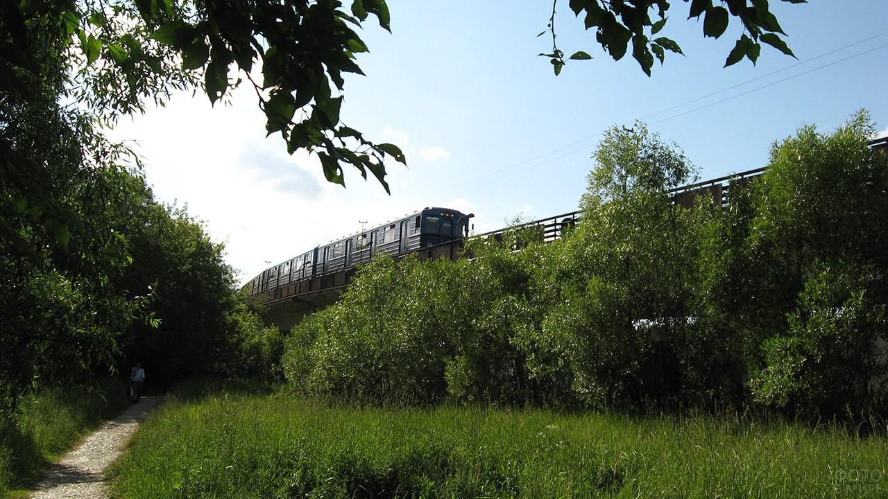 Открытый участок Арбатско-Покровской линии метрополитена
