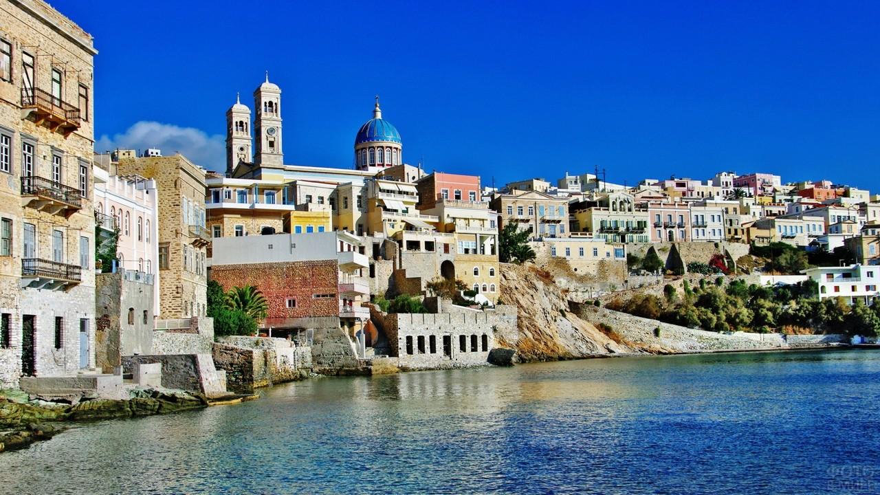 Городок на острове в Эгейском море