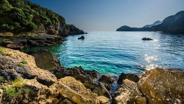 Греческий берег в Эгейском море