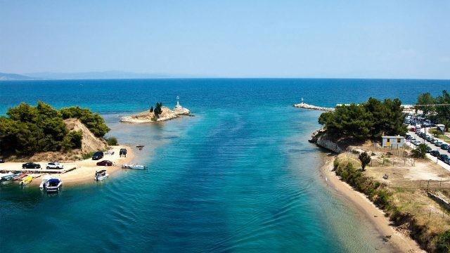 Полуостров Халкидики в Эгейском море