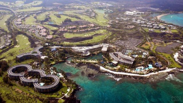 Панорама курорта близ потухшего вулкана Кохала