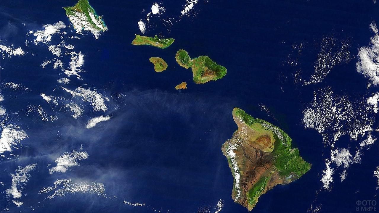 Вид со спутника на Гавайские острова
