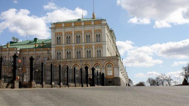 Ворота на территорию Оружейной Палаты