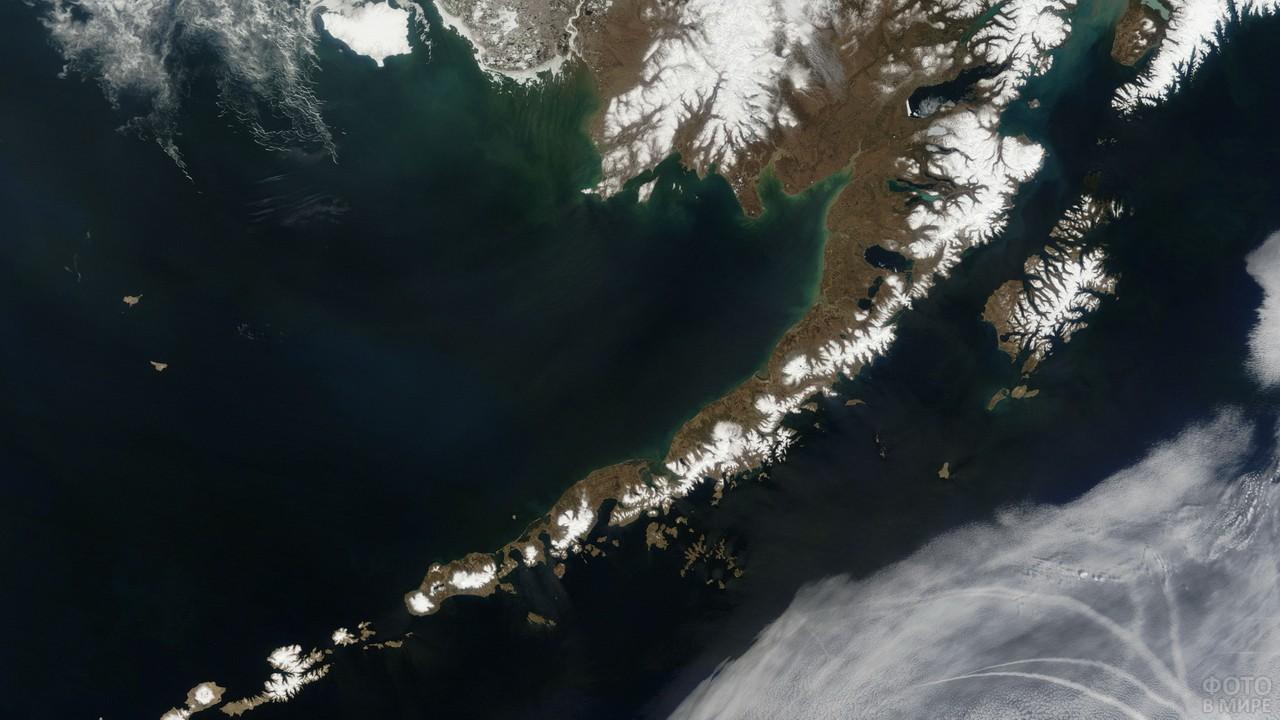 Аляска в Тихом океане из космоса