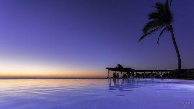 Ночное побережье Мексики