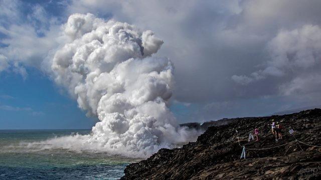 Подводный вулкан у гавайских берегов