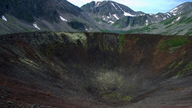 Кратер вулкана Перетолчина