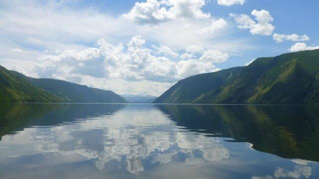 Озеро Кара-Холь в Тыве