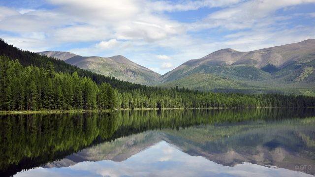 Озеро Позарым в Хакасии