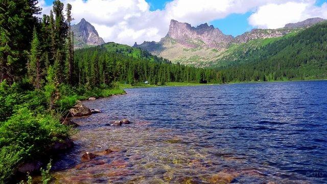 Прозрачное озеро в Ергаках