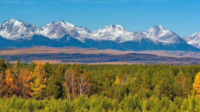 Саянские горы осенью