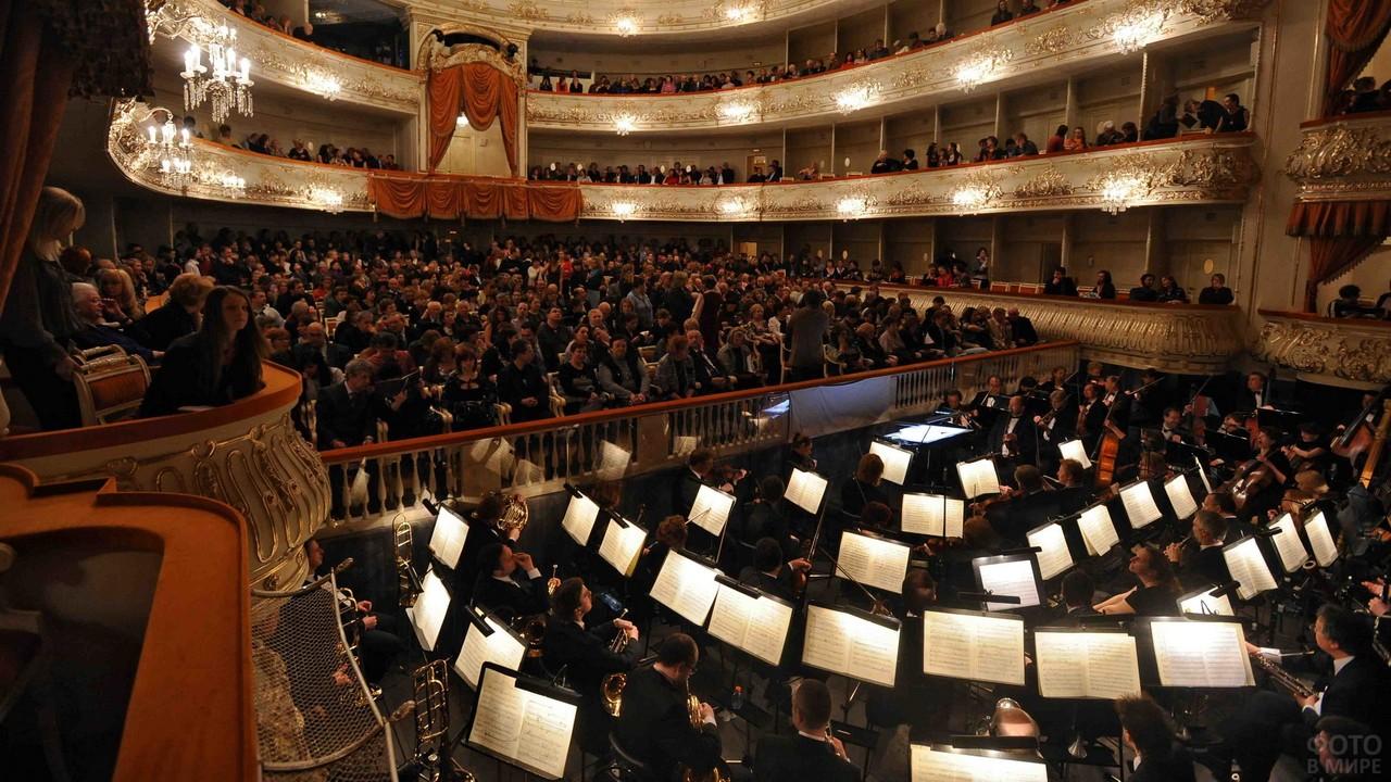 Оркестровая яма в Михайловском театре