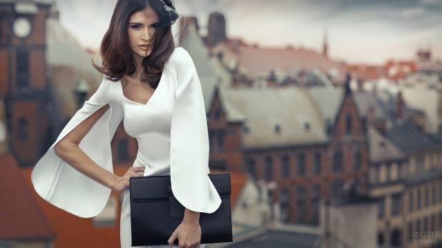 Бизнес-леди в стильном платье