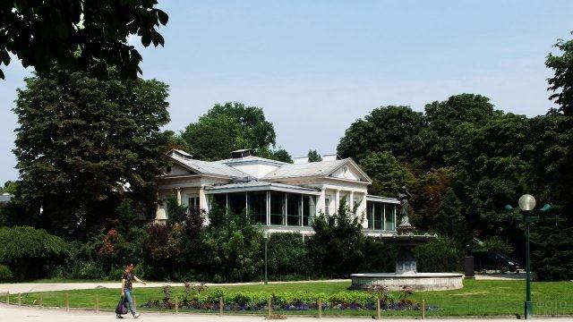 Павильон Габриэль в саду Нувель Франс