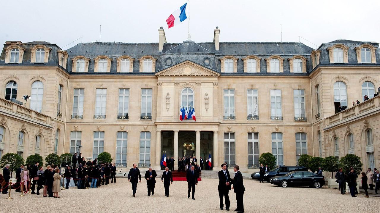 Резиденция президента Франции - Елисейский дворец