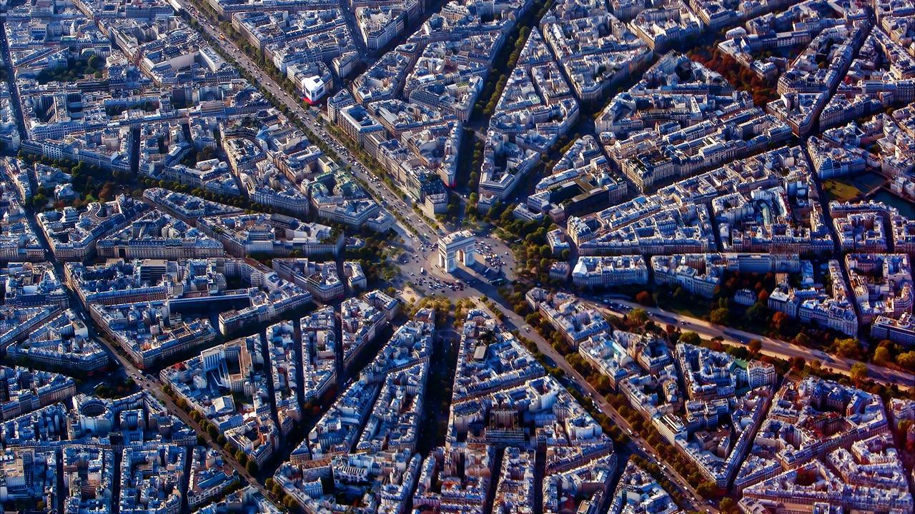 Триумфальная арка на аэропанораме Парижа