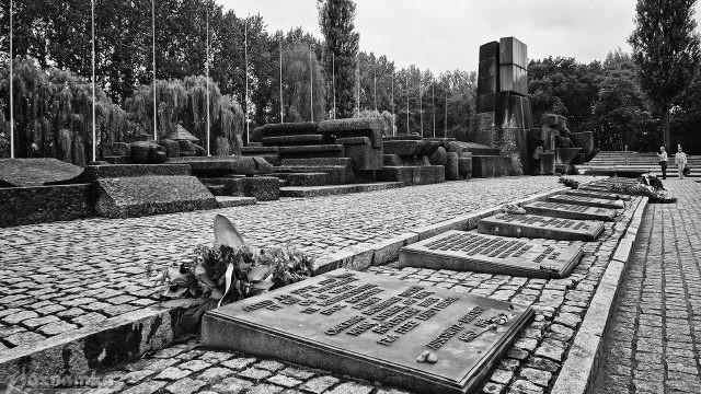 Памятник жертвам Холокоста в аушвиц-2 Биркенау