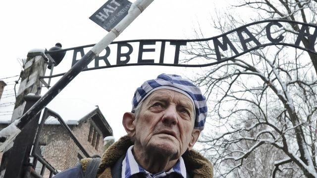 Выживший узник лагеря смерти в годовщину освобождения - 27 января