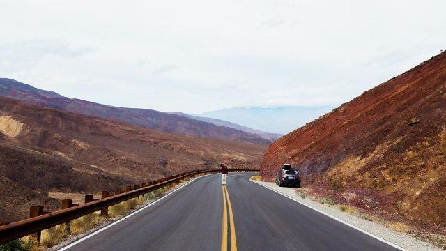 Автотрасса через горы до Лас-Вегаса