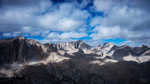 Гора Уитни на панораме Провинции Долин и Хребтов