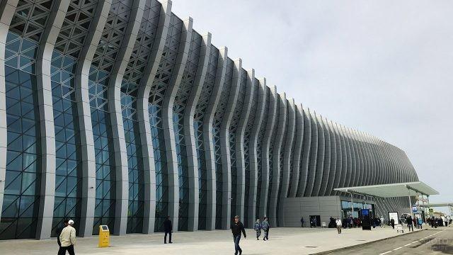 Крымская волна фасада пассажирского терминала