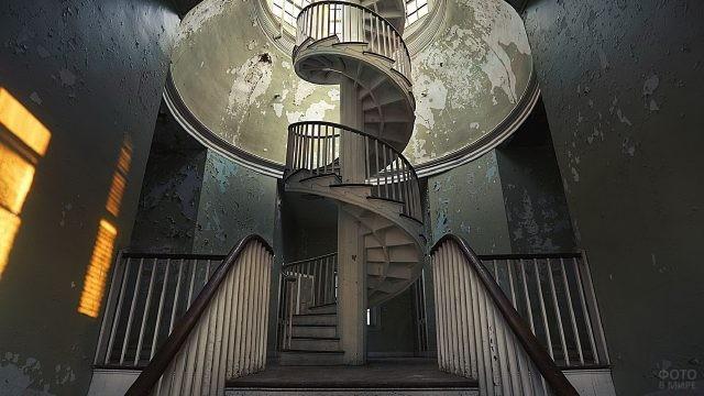 Лестница в виде спирали